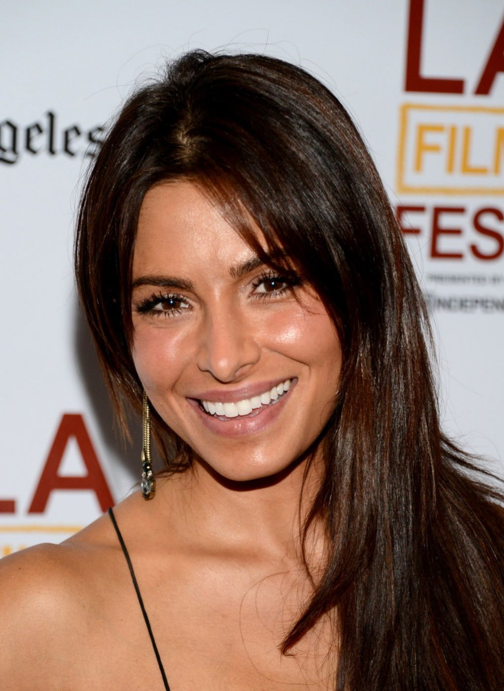 Sarah Shahi The Road Within Premiere In Los Angeles