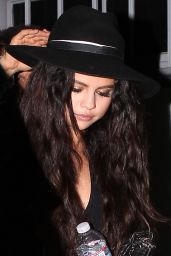 Selena Gomez Candids - Leaving Craig
