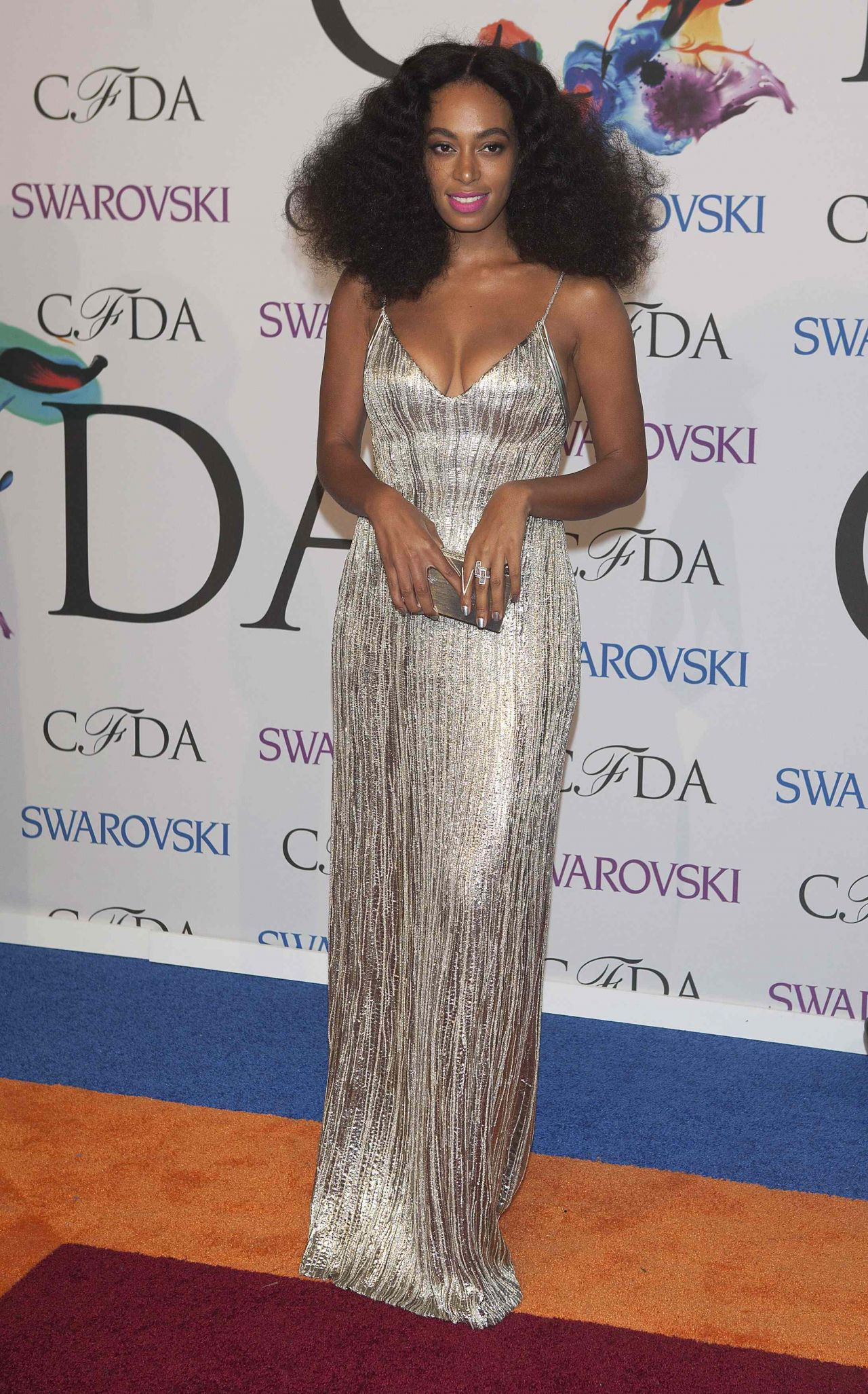 http://celebmafia.com/wp-content/uploads/2014/06/solange-knowles-2014-cfda-fashion-awards_3.jpg