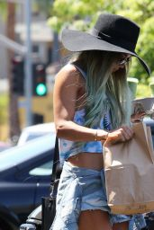 Vanessa Hudgens - Leaving Breakroom Cafe in Studio City - June 2014
