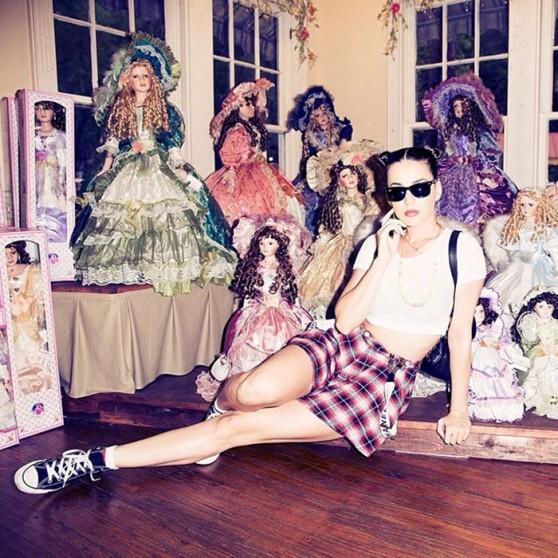 Katy Perry Leggy - Instagram, June 2014