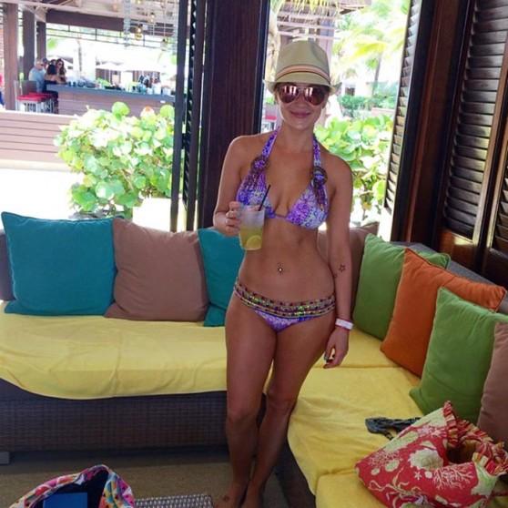 Kellie Pickler in a Bikini - Twitpics, July 2014