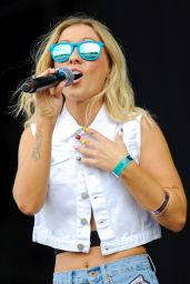 Alexa Goddard Performs at 2014 Wireless Festival at Finsbury Park in London