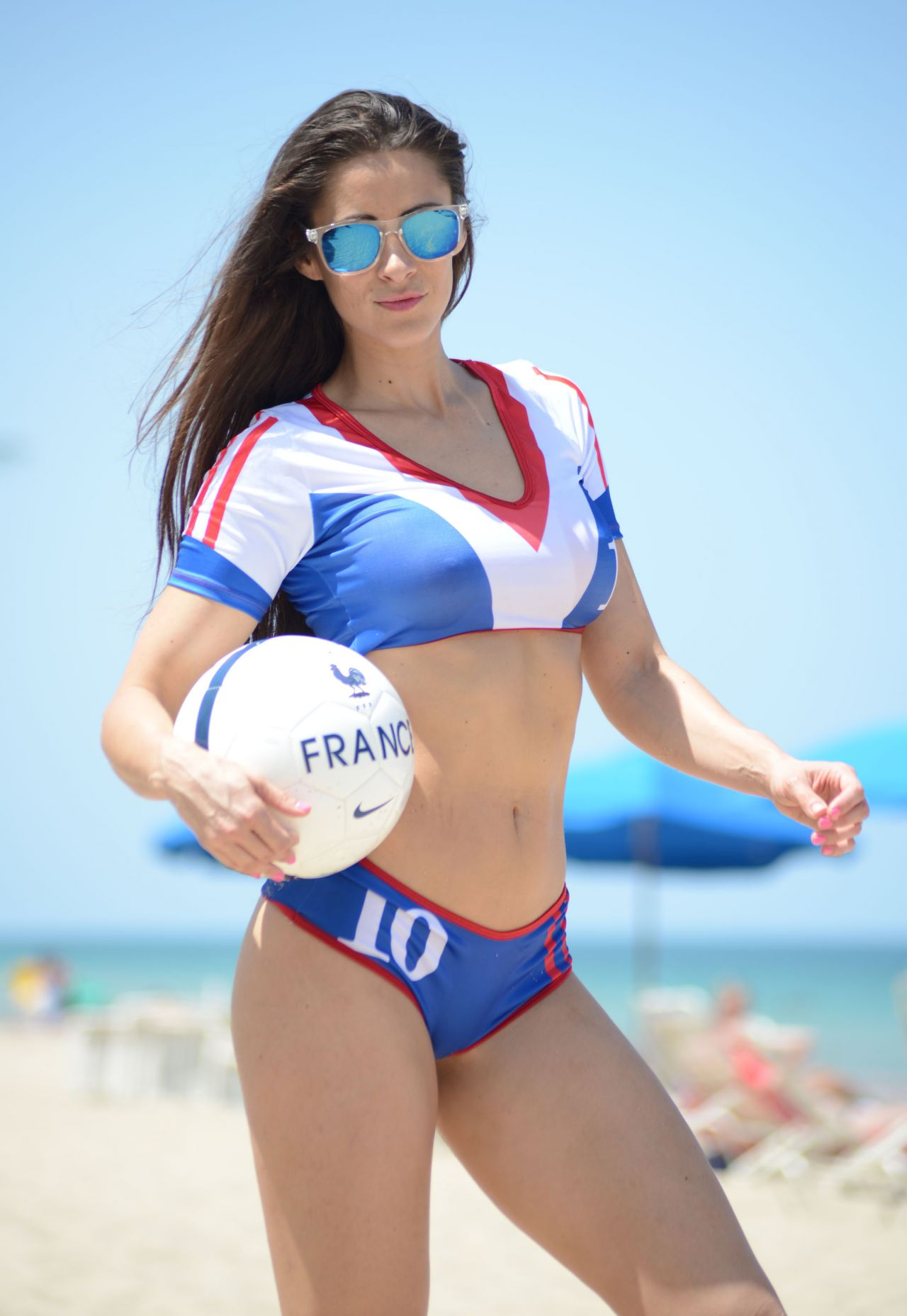 Anais Zanotti on the Beach in Miami - June 2014
