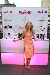 AnnaSophia Robb - Mark Hill Salon - One Year Anniversary in NYC