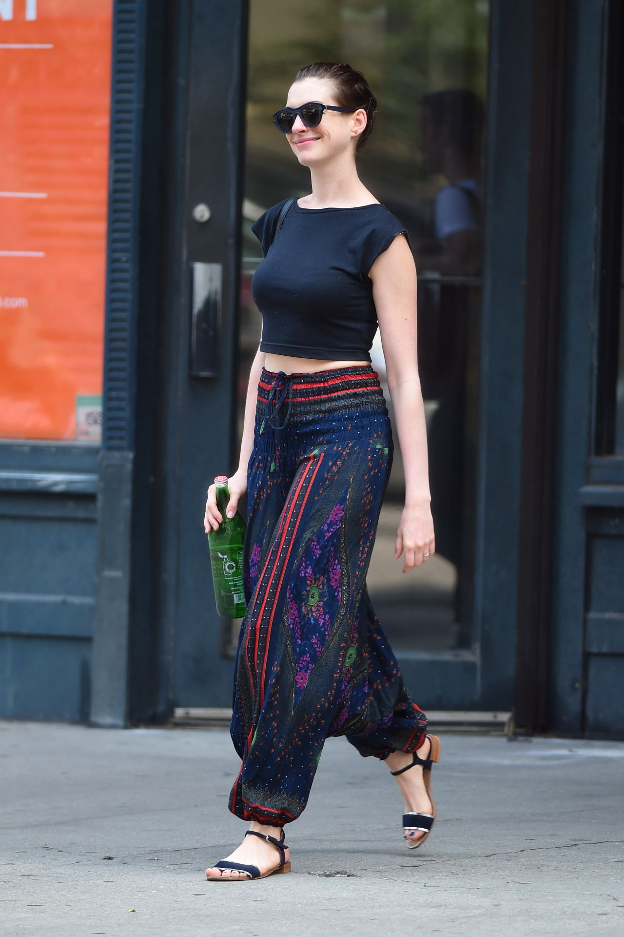 anne hathaway casual style -#main