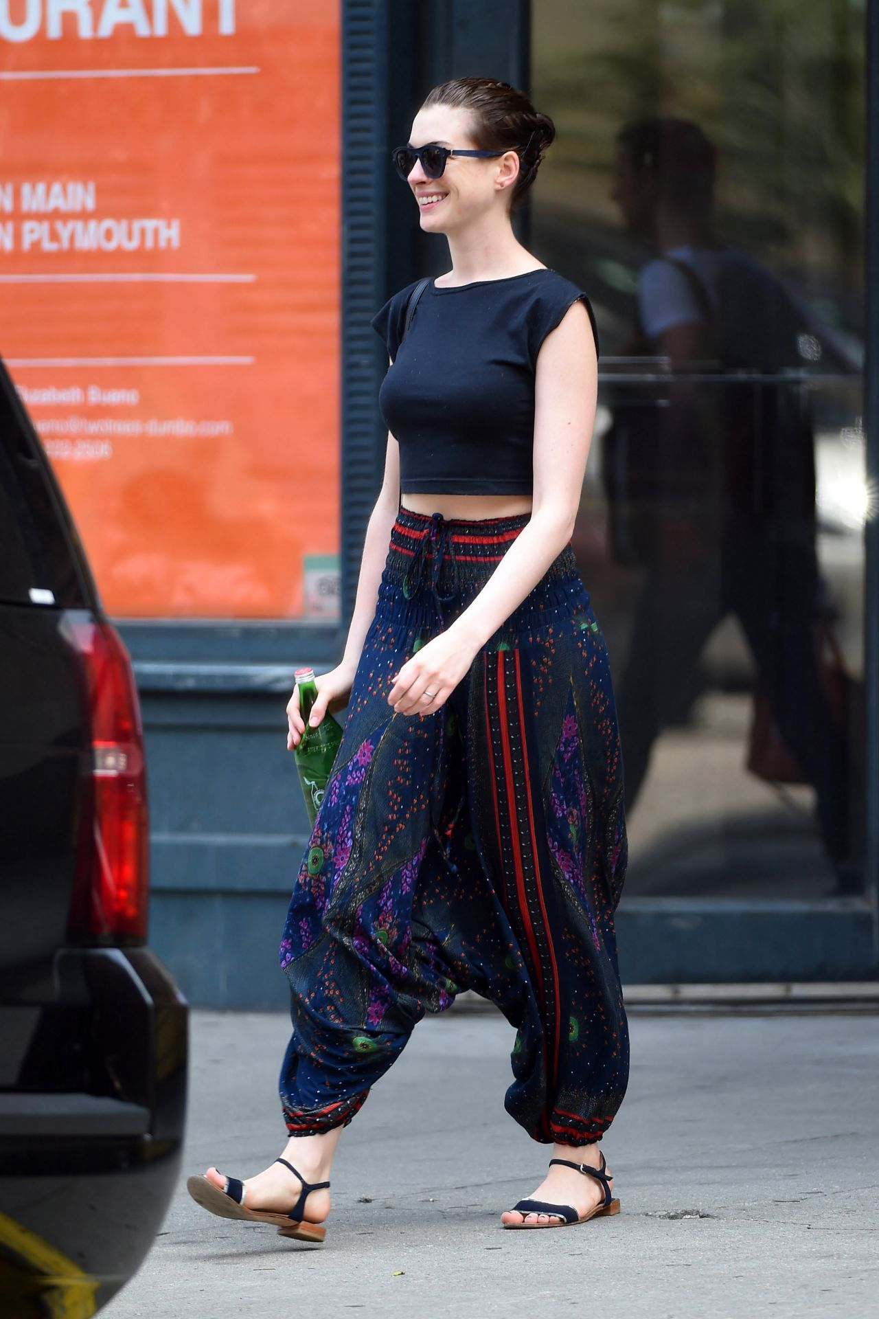 anne hathaway casual style - photo #2