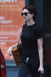Anne Hathaway Leaving Her Home in Brooklyn - July 2014