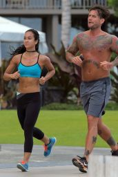 April Mendez (AJ Lee) and CM Punk Jogging in Hawaii - June 2014