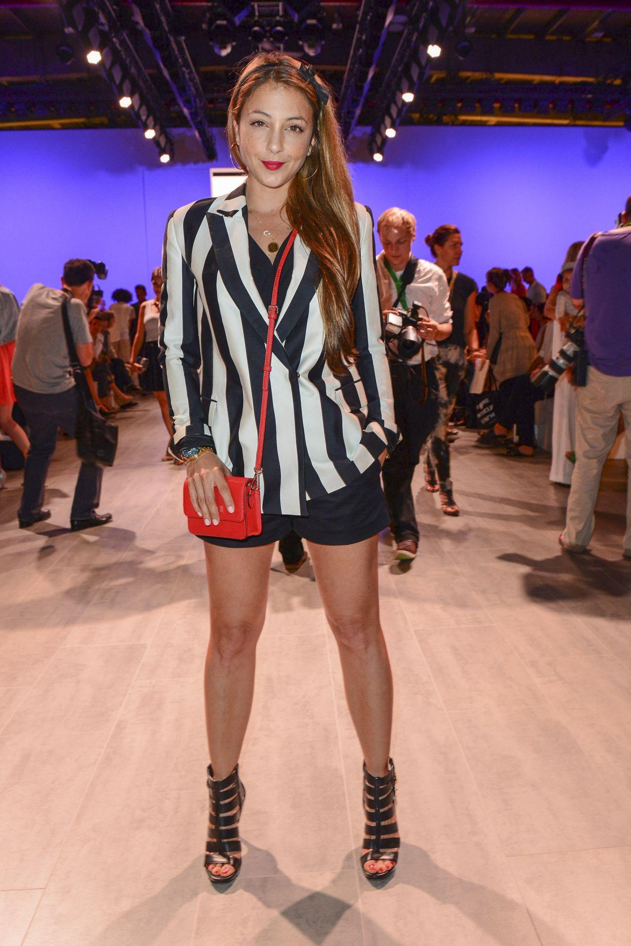 Arzu bazman 39 c 39 est tout ce 39 nou show 39 mercedes benz for Mercedes benz fashion show