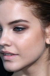 barbara-palvin-hercules-premiere-in-los-angeles_24