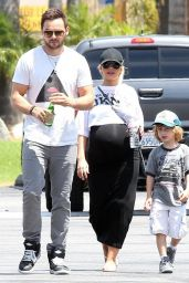 Christina Aguilera Pregnant - Going Mini Golfing in Studio City - July 2014