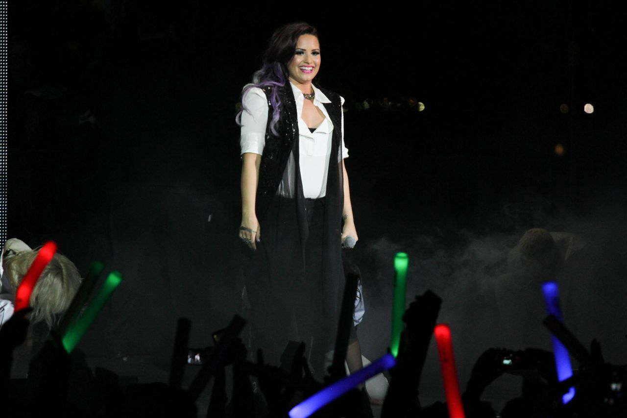 Demi Lovato - NYC Pride: Dance On The Pier - June 2014
