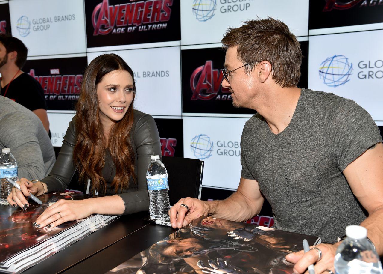 Elizabeth Olsen Avengers Age Of Ultron Booth Signingl