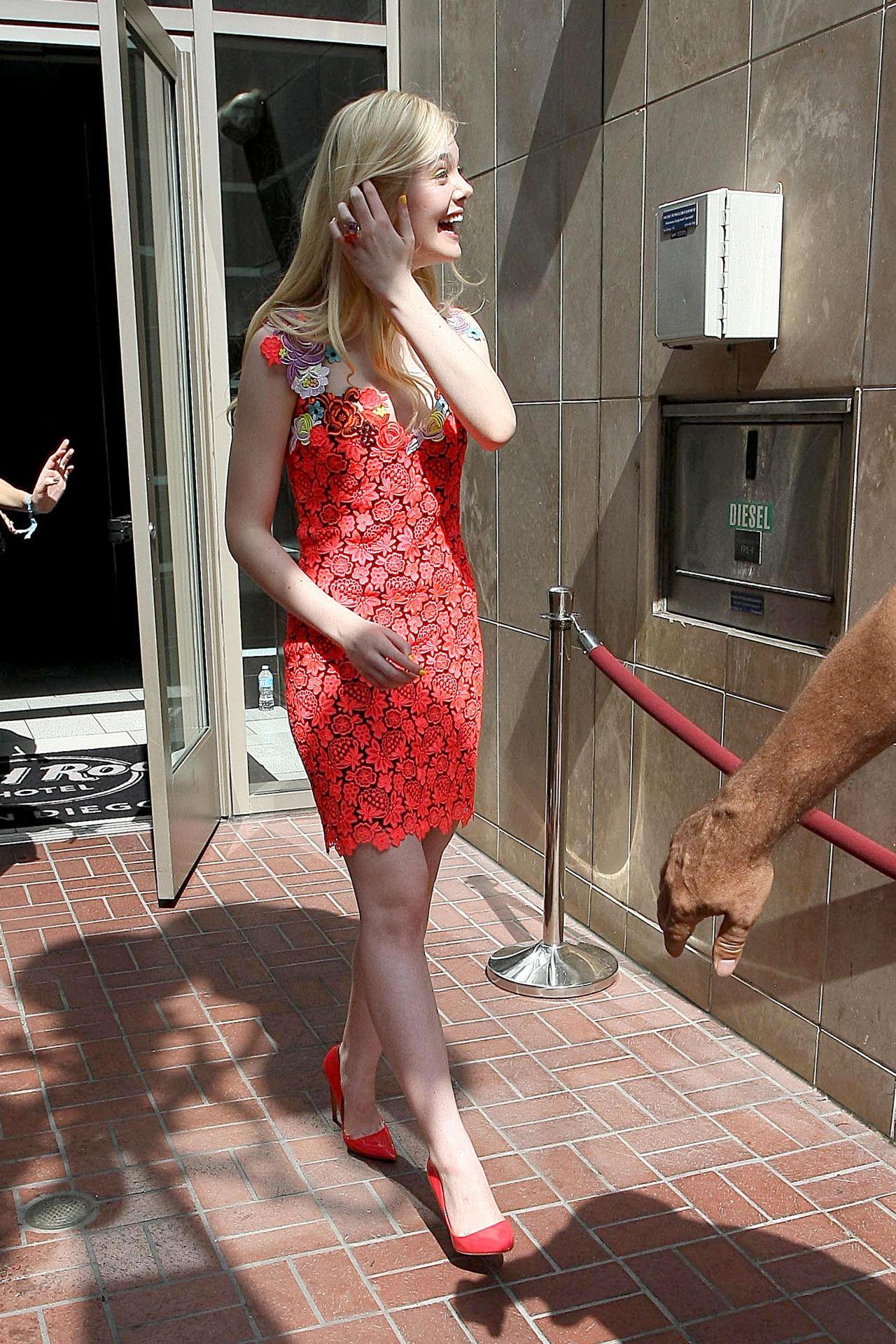 San Diego Audi >> Elle Fanning - Leaving the Hard Rock Hotel in San Diego ...