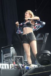 Ellie Goulding Performs at Marley Park in Dublin - Ireland, July 2014