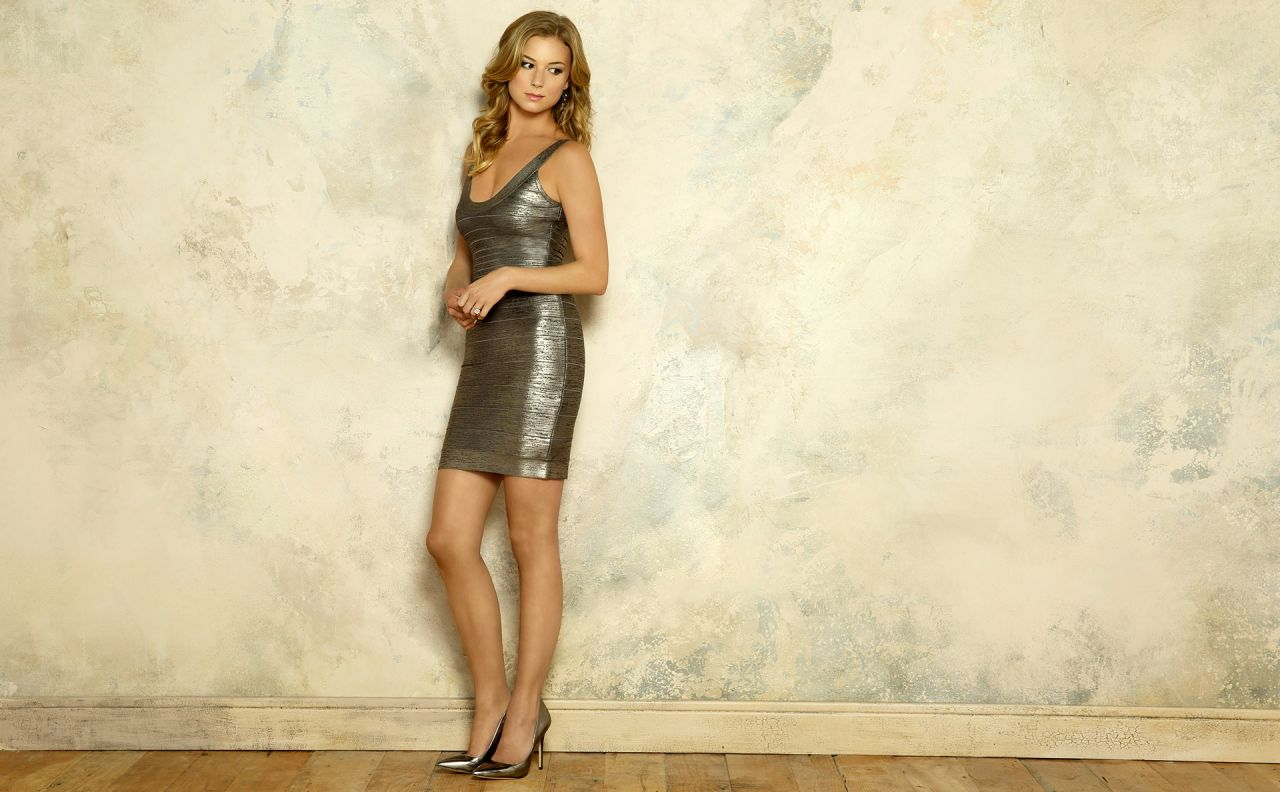 Emily Vancamp Hot Wallpapers 8
