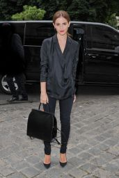 Emma Watson in Paris - Arriving to the Giambattista Valli Fashion Show - July 2014