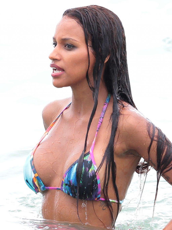 e6ba561e9ae Fanny Neguesha in a Bikini & Mario Balotelli at the Beach in Miami – July  2014