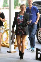 Hilary Duff Arrives at Intermix in New York City - July 2014