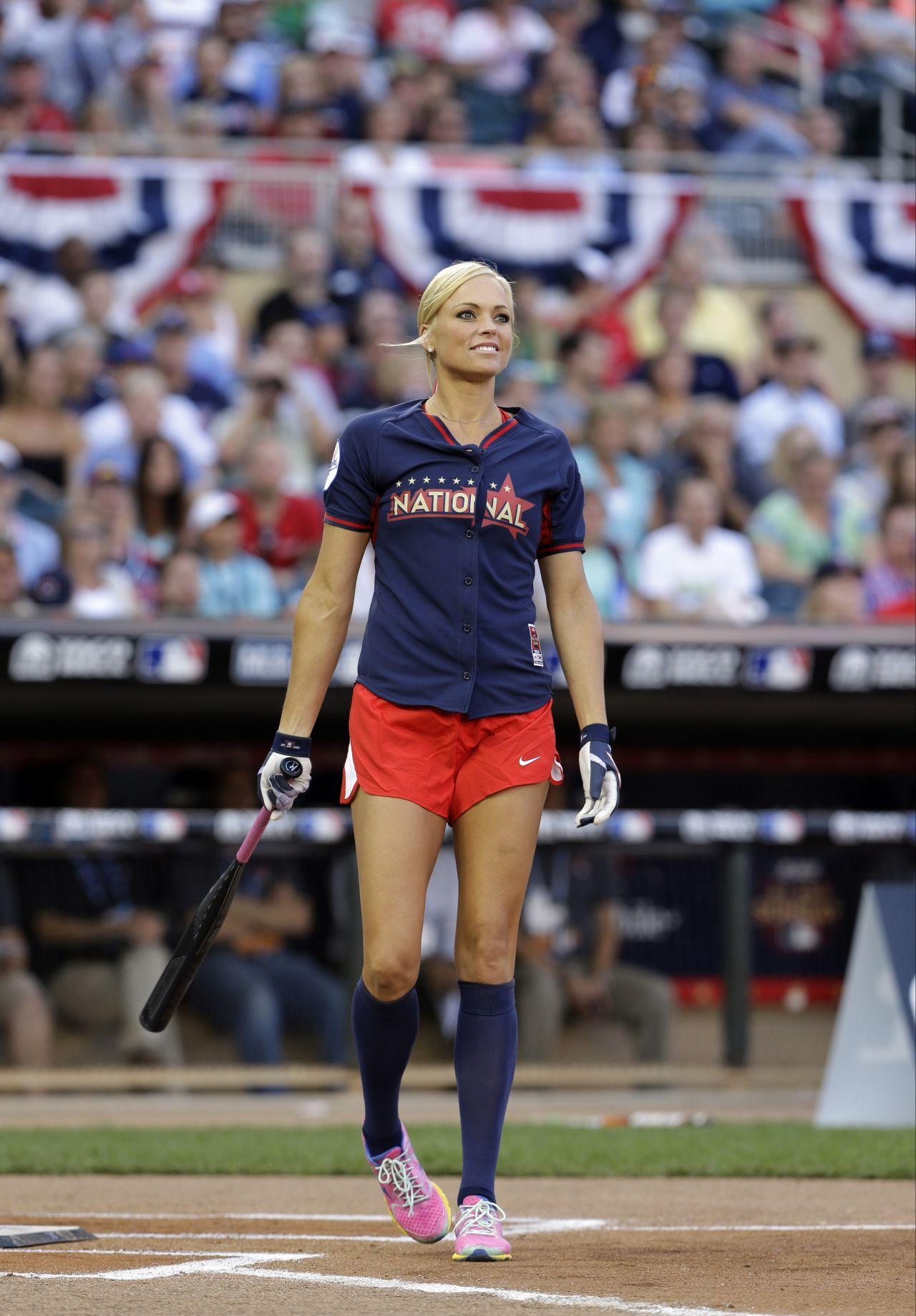 2019 celebrity softball game videos