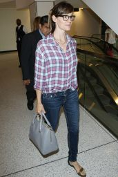 Jennifer Garner at LAX Airport in Los Angeles - June 2014