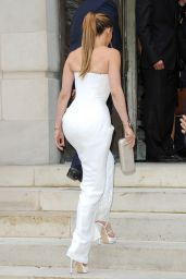 Jennifer Lopez at Versace show in Paris – Fall/Winter Fashion Week, July 2014