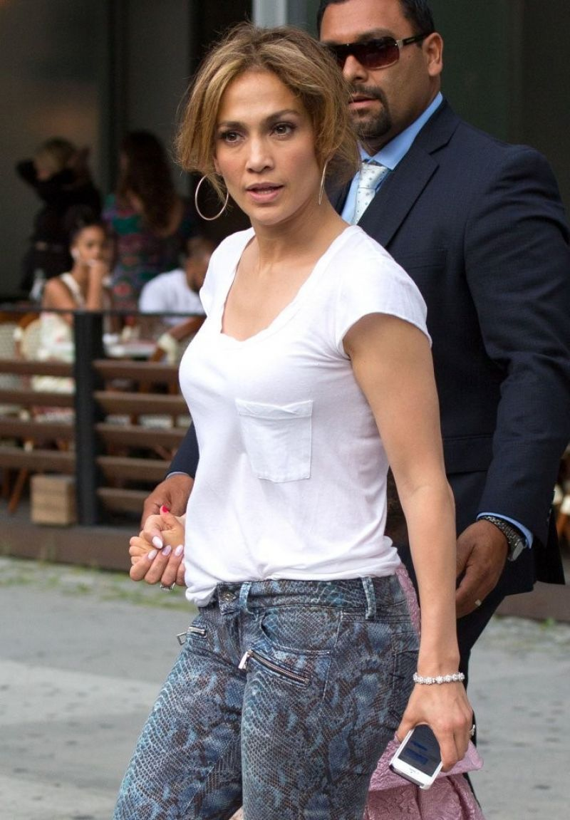 jennifer lopez street style leaving her hotel in nyc