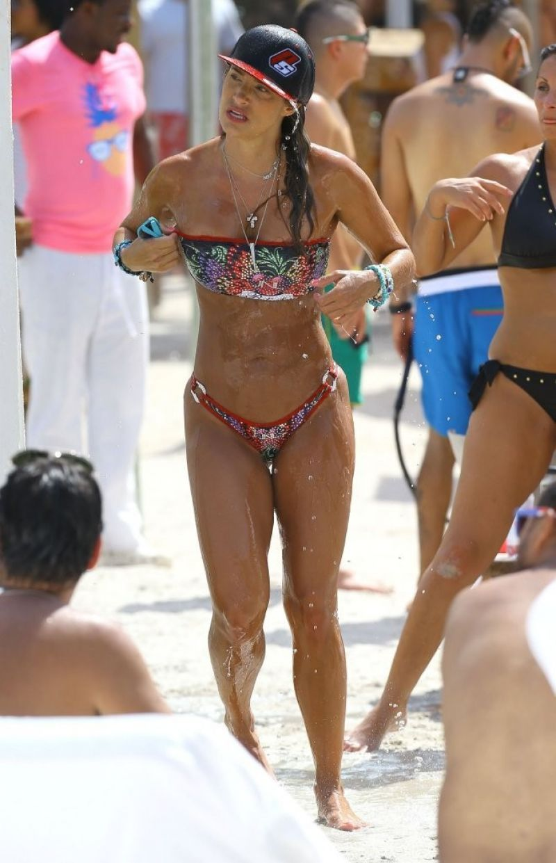 Jennifer Nicole Lee Bikini Pics - Miami - July 2014