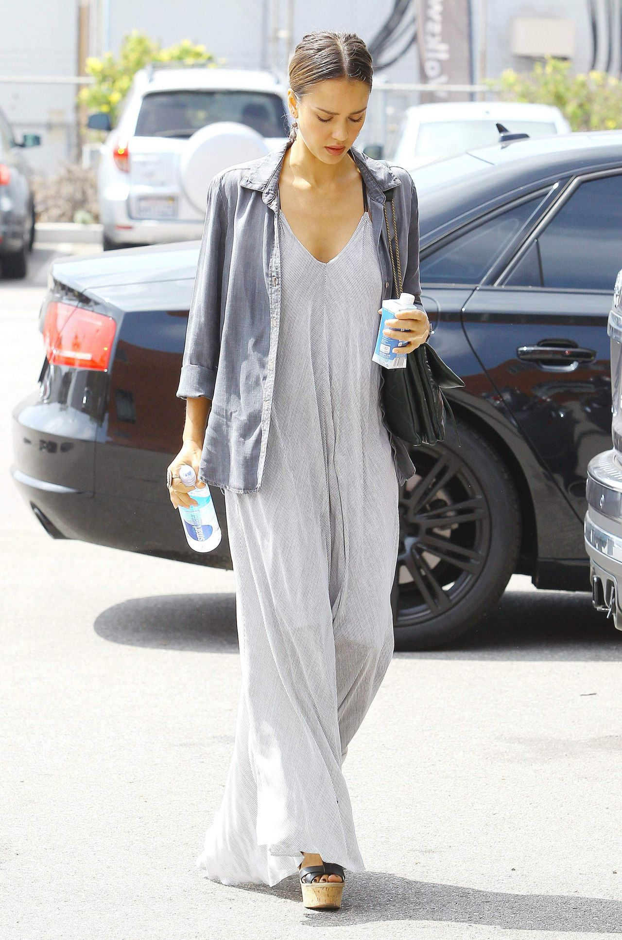 Jessica Alba Casual Chic Style Out In Beverly Hills July 2014