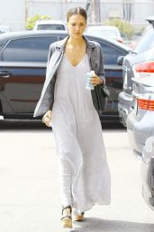 Jessica Alba Casual-Chic Style - Out in Beverly Hills - July 2014