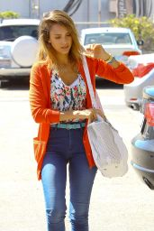 Jessica Alba - Out in Santa Monica - July 2014