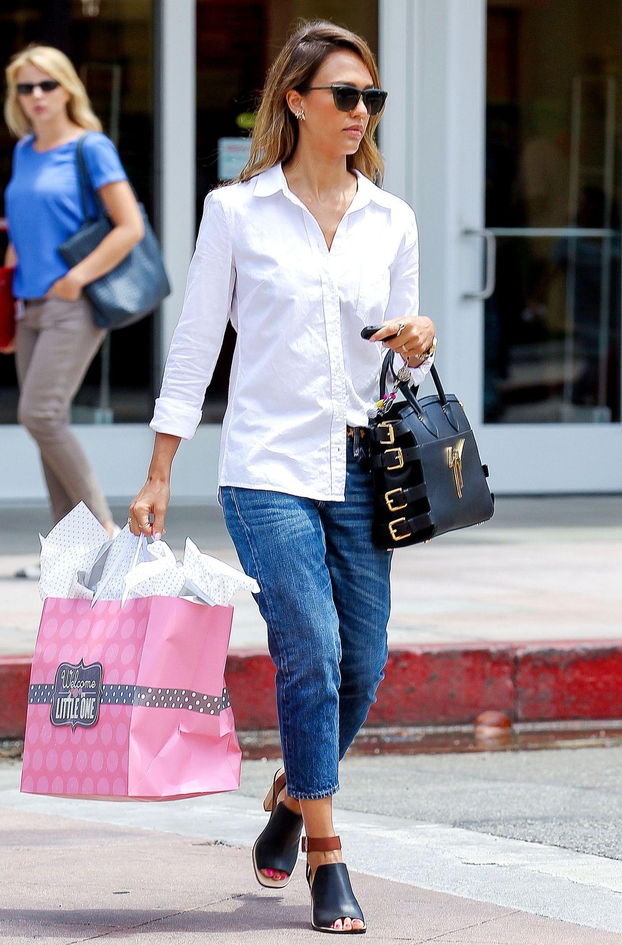 Jessica Alba Street Style 2014 Out In Santa Monica