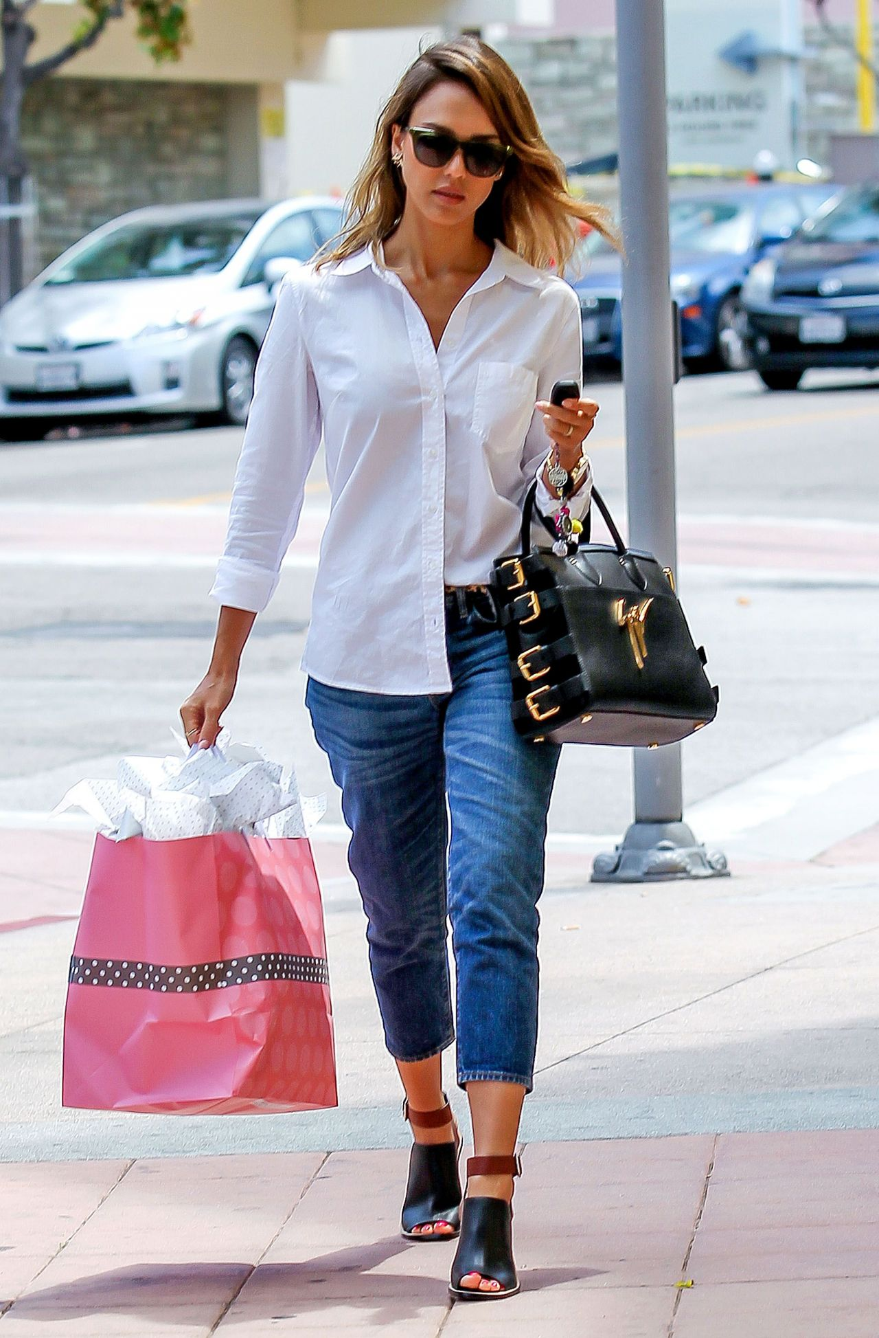 Jessica Alba Street Style 2014 Out In Santa Monica