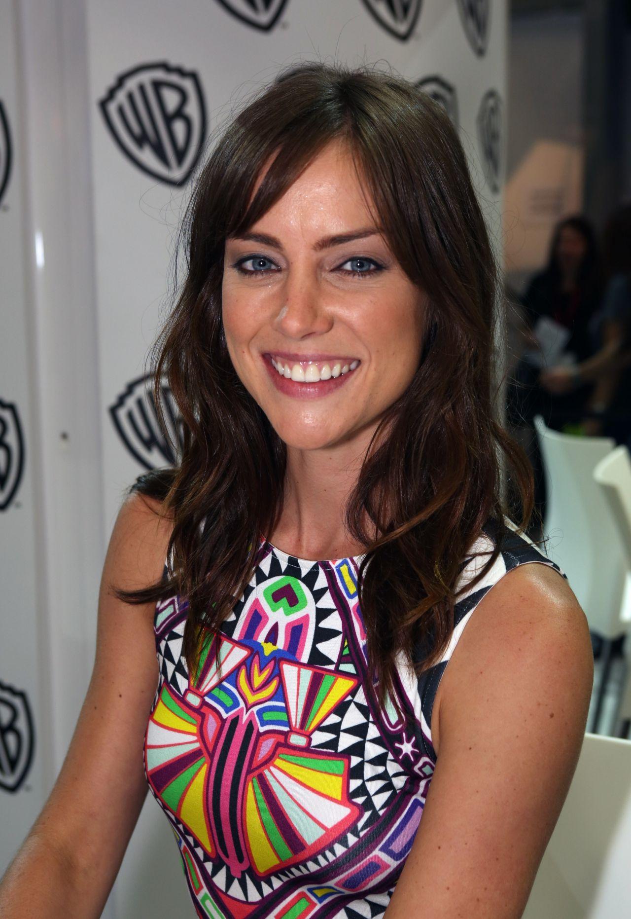 Jessica Stroup - Warner Bros. at SDCC 2014