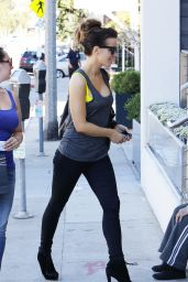 Kate Beckinsale in Black Skinny Jeans - Out in NYC, July 2014
