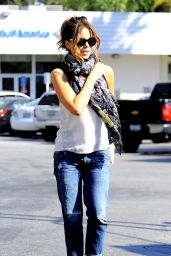 Kate Beckinsale in Relaxed Skinny Jeans - Out in Brentwood, July 2014