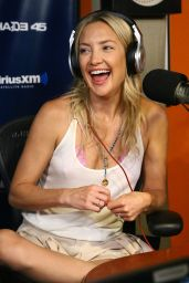 Kate Hudson visits the SiriusXM Studios on July 2014