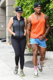 Kelly Brook in Tights at a Gym in Santa Monica - July 2014