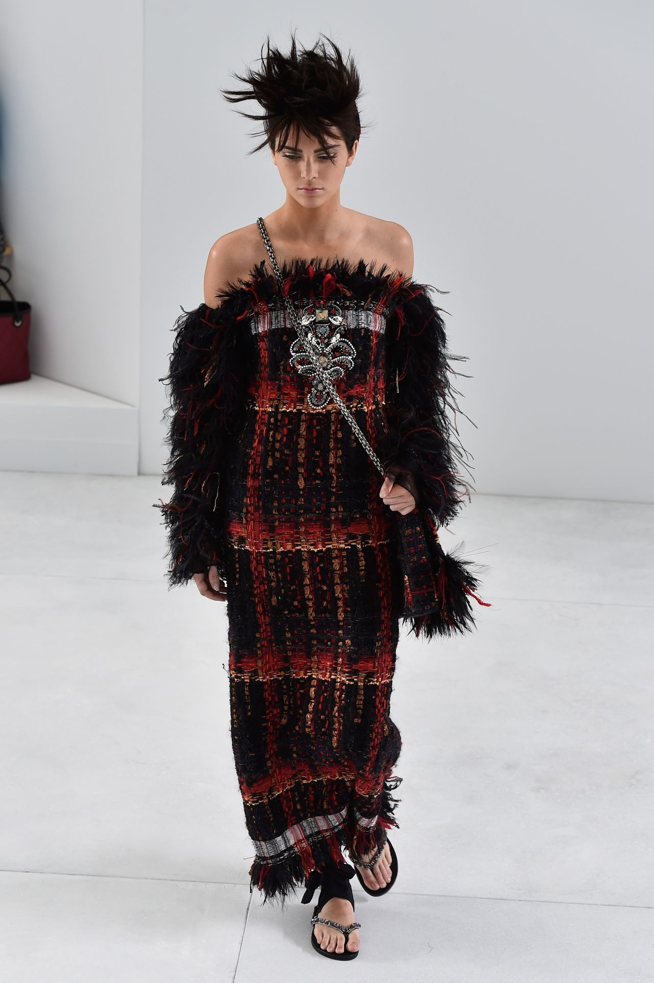 Kendall Jenner Chanel Haute Couture Runway     Paris Fashion Week    Kendall Jenner Chanel 2014