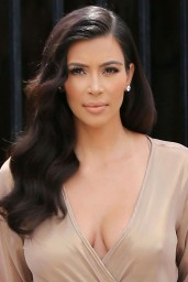 Kim Kardashian Laving a Studio in Los Angeles – July 2014