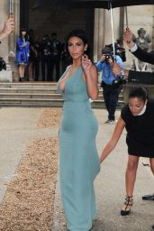 Kim Kardashian - Valentino Haute Couture Fashion Show During Paris Fashion Week – July 2014