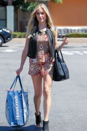 Kristin Cavallari Shows Off Legs - Shopping in Beverly Hills - July 2014