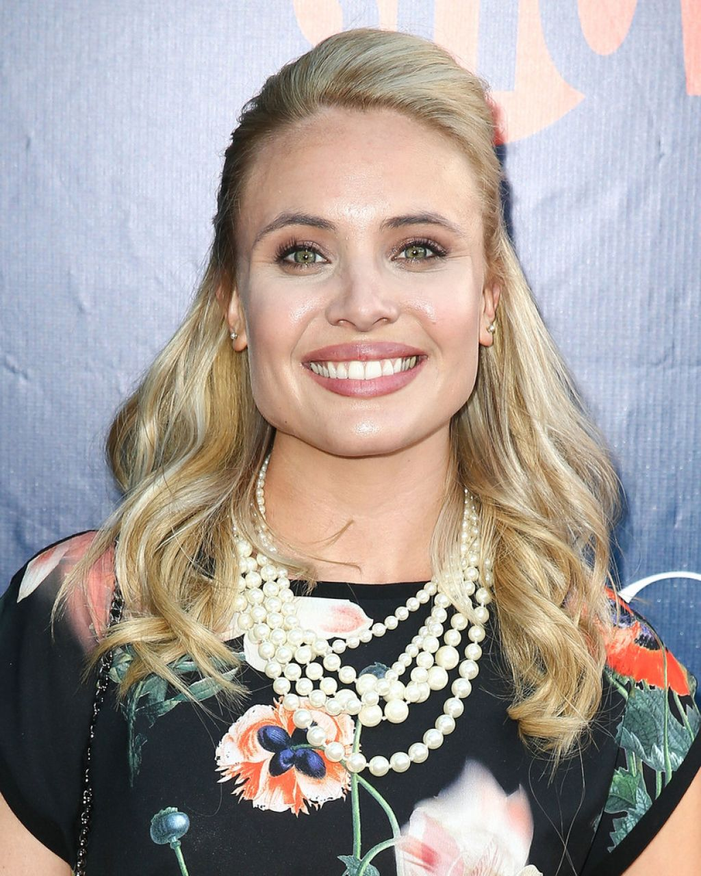 Leah Pipes – CBS, The CW, Showtime Summer 2014 TCA Party