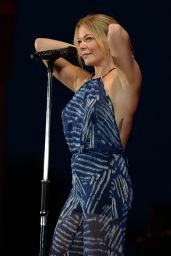 LeAnn Rimes Performs at the Mardi Gras Casino in Hallandale (Florida) - July 2014