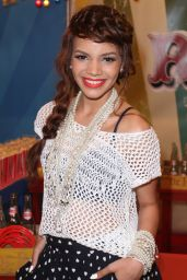 Leslie Grace – 2014 Premios Juventud Awards in Miami