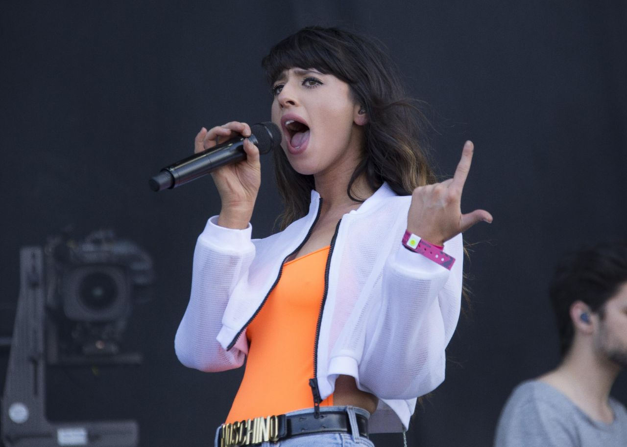 Louisa Rose Allen (Foxes) Performs at 2014 Wireless Festival