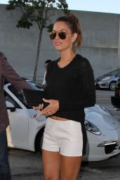 Maria Menounos Leggy - at Craig