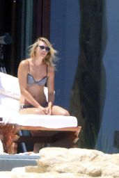 Maria Sharapova Shows Off Bikini Body on Vacation With Boyfriend in Cabo (Mexico) - July 2014