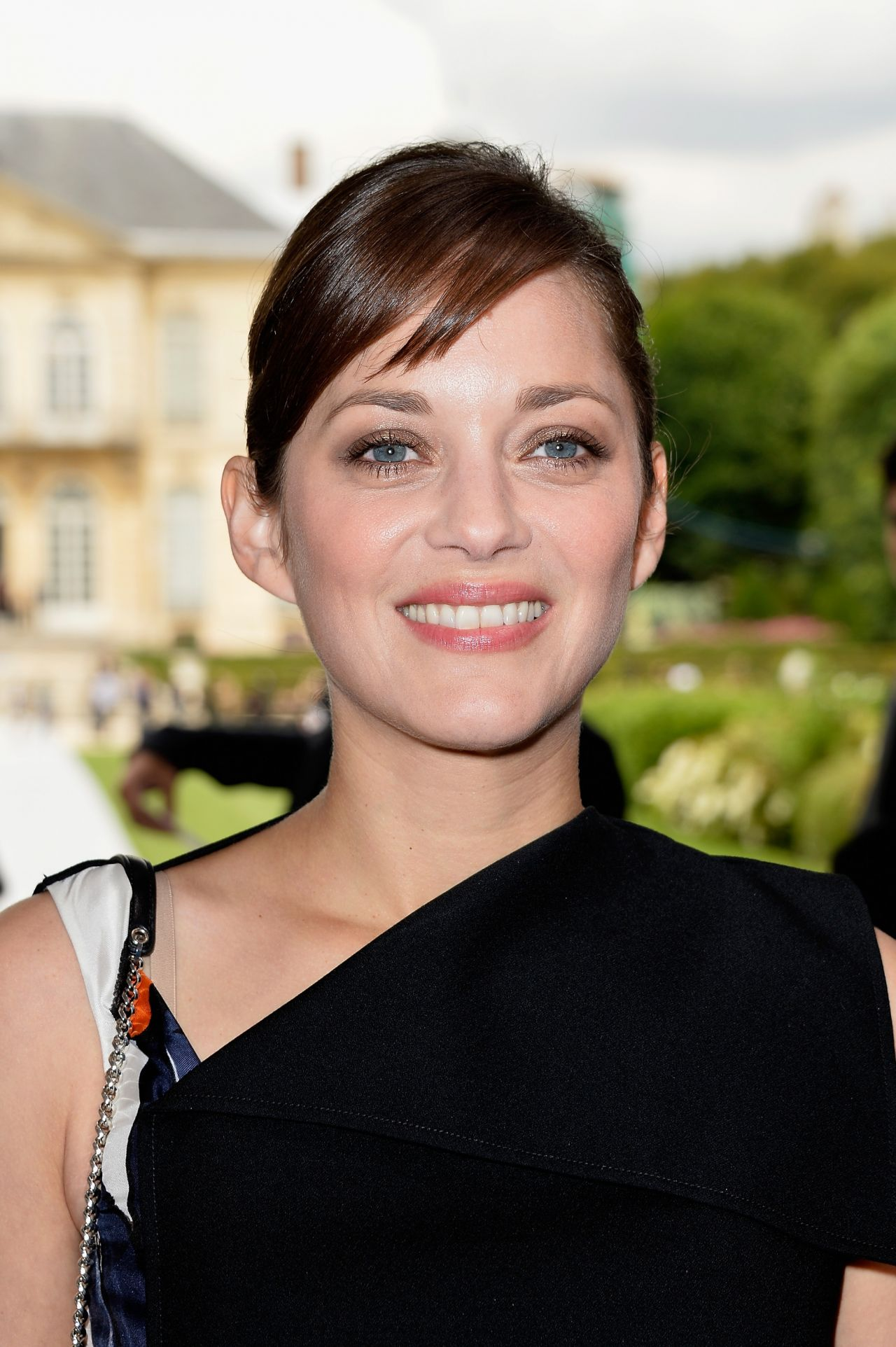 Marion Cotillard – Christian Dior Fashion Show During Paris Fashion Week – July 2014